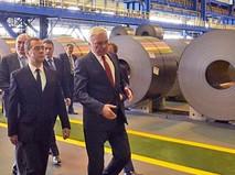 Дмитрий Медведев посетил Магнитогорский металлургический комбинат