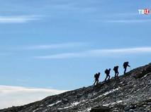 Туристы в горах