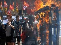 Участники демонстрации во Франции против трудовой реформы