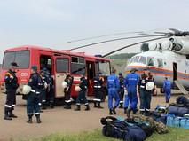 Переброска группы спасателей к месту крушения самолета Ил-76 МЧС России