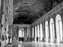 Советские туристы на экскурсии в Версальском дворце