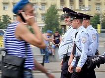 Полиция следит за порядком во время дня ВДВ