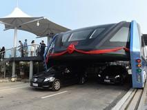 Автобус-портал на испытаниях в Циньхуандао