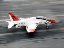 Учебно-тренировочный самолет морской пехоты США Т-45 Goshawk