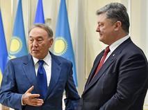 Президент Республики Казахстан Нурсултан Назарбаев и президент Украины Петр Порошенко