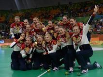 Спортсменки сборной России, завоевавшие золотые медали в женском гандбольном турнире на XXXI летних Олимпийских играх