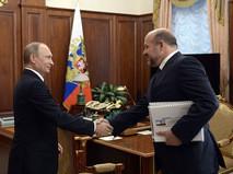 Президент РФ Владимир Путин и губернатор Архангельской области Игорь Орлов во время встречи