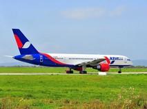 Самолет компании Azur Air
