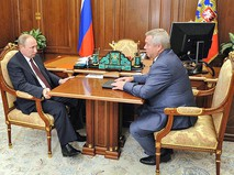Президент России Владимир Путин и губернатор Ростовской области Василий Голубев