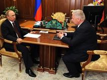 Владимир Путин и Михаил Шмаков