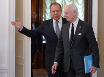 Министр иностранных дел России Сергей Лавров и специальный посланник ООН по Сирии Стаффан де Мистура