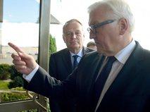 Главы МИД Франции и Германии Жан-Марк Эйро и Франк-Вальтер Штайнмайер