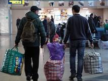 Украинские беженцы на железнодорожном вокзале