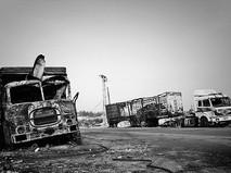 Сгоревшие автомобили гумконвоя ООН под Алеппо, Сирия
