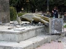 В Судаке неизвестные разрушили памятник Ленину