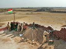 Курдское ополчение ведет бой