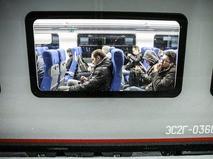 Пассажиры в поезде на МЦК