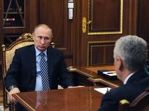 Президент РФ Владимир Путин и мэр Москвы Сергей Собянин (справа) во время встречи в Кремле