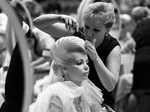 На конкурсе по женским причёскам