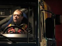 Дмитрий Медведев за рулем