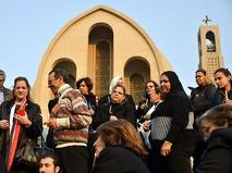 Верующие у Собора святого Марка. Каир, Египет