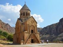 Монастырь Нораванк, церковь Сурб Аствацацин. Армения