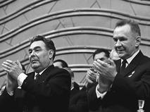 Леонид Брежнев и Алексей Косыгин на заключительном заседании 23-го съезда ЦК КПСС
