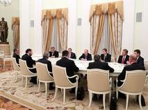 Президент России Владимир Путин во время встречи с премьер-министром Турции Бинали Йылдырымом в Кремле