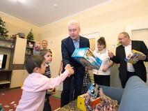 Сергей Собянин поздравляет детей с Новым годом