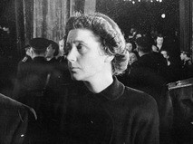 Светлана Аллилуева на церемонии прощания с Иосифом Сталиным
