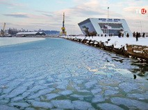 Замерзшее Черное море в Болгарии