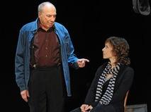 Сергей Юрский с дочерью Дарьей на сцене Театра имени Моссовета на своём юбилейном вечере