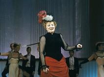 Татьяна Шмыга выступает на концерте, посвящённом 60-летию Московского государственного академического театра оперетты