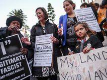 Митинг против миграционной политики Дональда Трампа