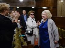 Татьяна Доронина во время сбора труппы в МХАТ имени М. Горького