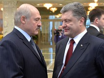 Президент Белоруссии Александр Лукашенко и президент Украины Петр Порошенко