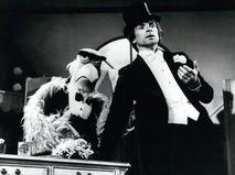 """Рудольф Нуреев в англо-американской телевизионной юмористической программе """"Маппет-шоу"""". 1978 год"""