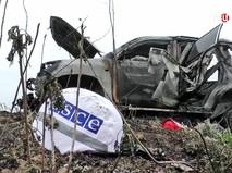 Последствия орбстрела автомобиля наблюдателей ОБСЕ в Донбассе