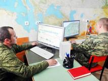 Российские военные за компьютерами