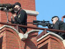 Снайперы ФСО на Красной площади во время Парада Победы. 2010 год
