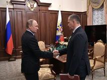 Владимир Путин и Юрий Трутнев во время встречи