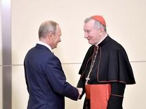 Президент России Владимир Путин и госсекретарь Ватикана Пьетро Паролин