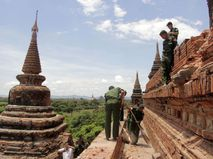 Храмы в древнем городе Баган (Паган). Мьянма