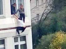 Подростки прыгают из окон школы в Ивантеевке, где произошла стрельба