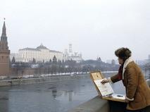 Илья Глазунов пишет картину