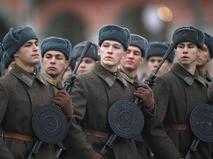 Торжественный марш, посвящённый 76-й годовщине Парада на Красной площади 7 ноября 1941 года