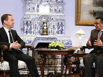 Дмитрий Медведев и гендиректор Всемирной организации здравоохранения (ВОЗ) Тедрос Адханом