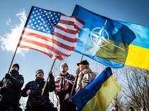 Флаги США, Украины и НАТО