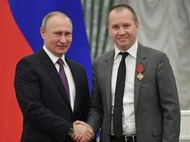 Владимир Путин и Евгений Миронов на церемонии вручения государственных наград