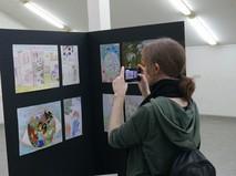 """Выставка детских рисунков """"Дети Донбасса рисуют мир"""""""
